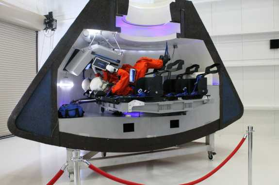 Boeing Unveils Facility For Next Spacecraft To Take ...