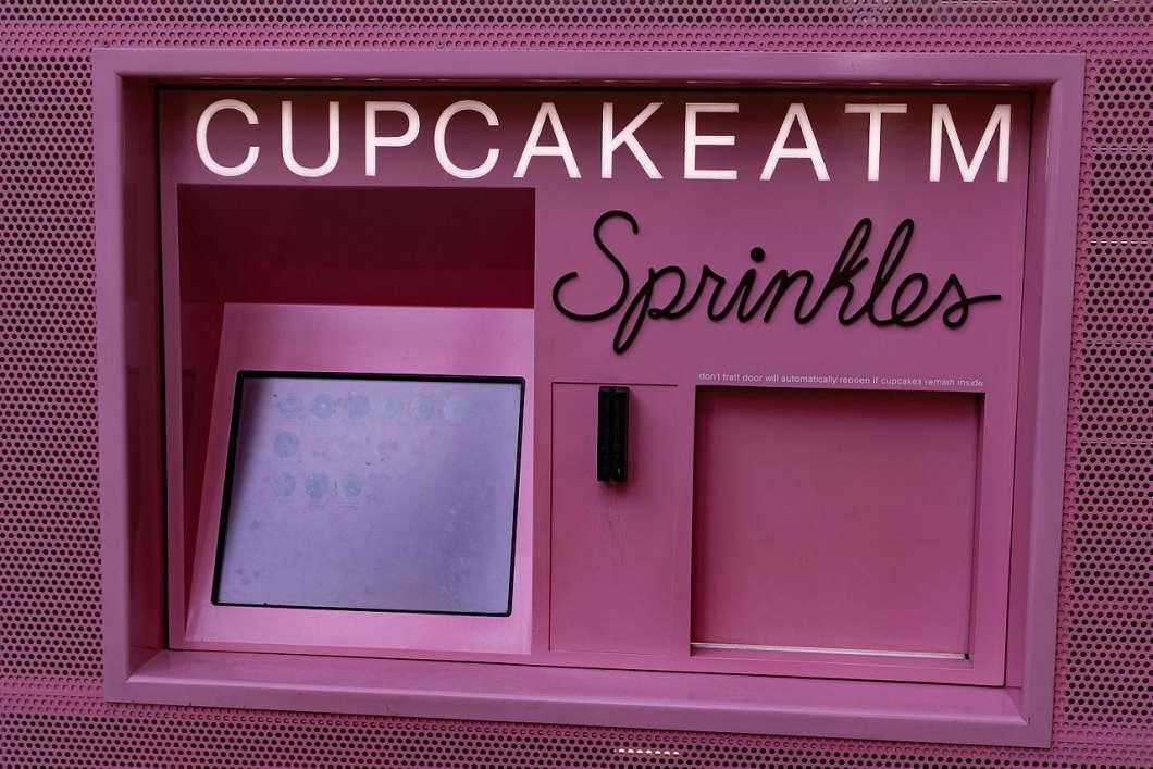 Cupcake ATM, Sprinkles Las Vegas Strip. Photo: Tony Webster