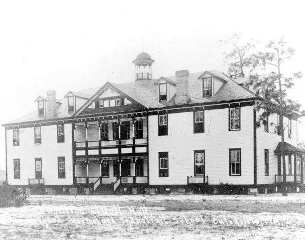 A photo of the Robert Hungerford Vocational School in Eatonville, circa 1914. Photo: Illuminati Noir.
