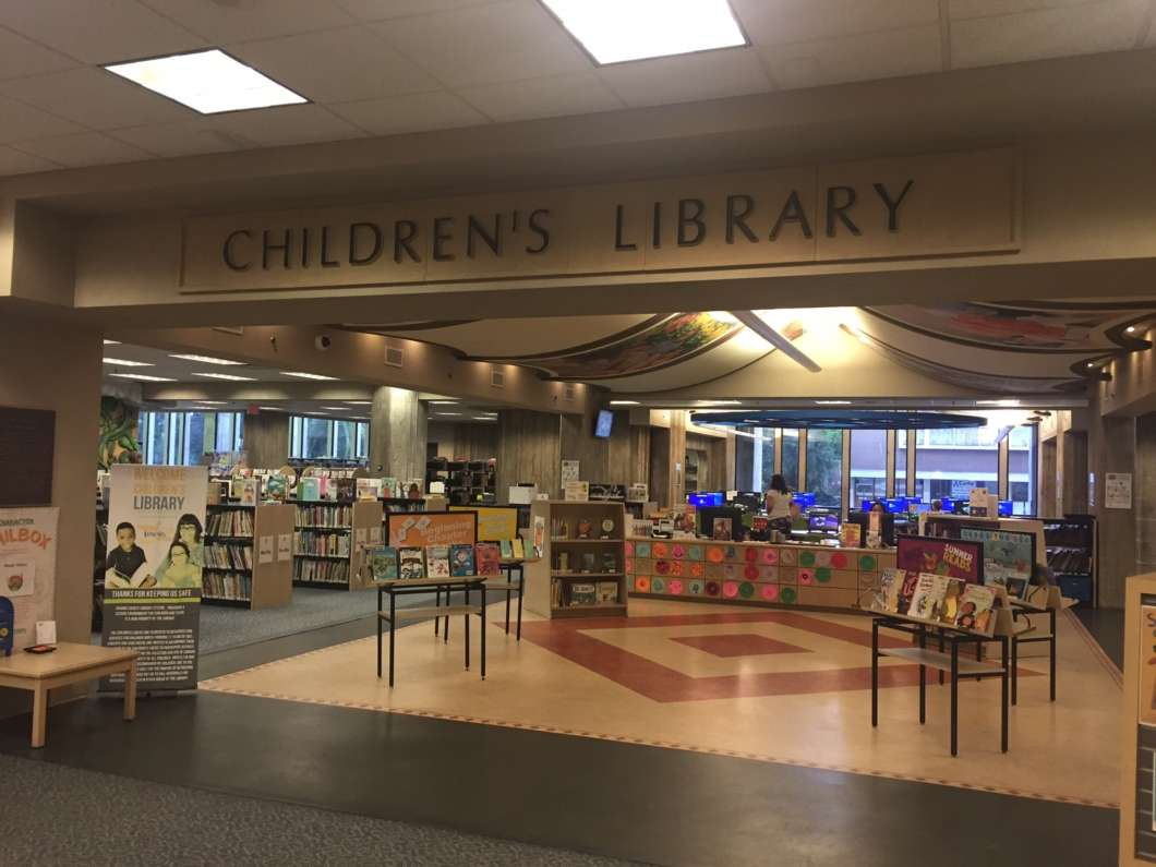 The Orlando Public Library has a children and teen section for young readers./Photo: Catherine Welch