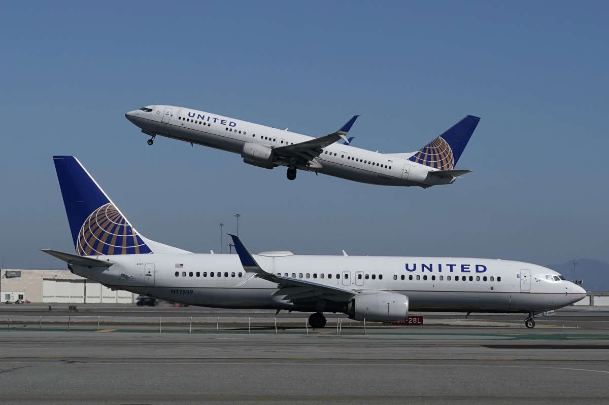 Man 'stranded' in The Villages sues to end mask requirement on commercial flights